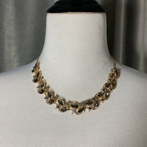 Gold tone silver gray leaf pattern necklace choker